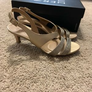 Naturalizer heels size 8.5 worn once for wedding